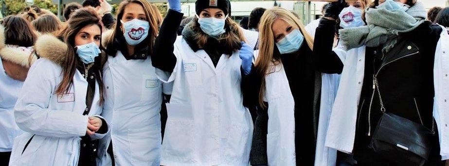 Des dentistes pendant la grève