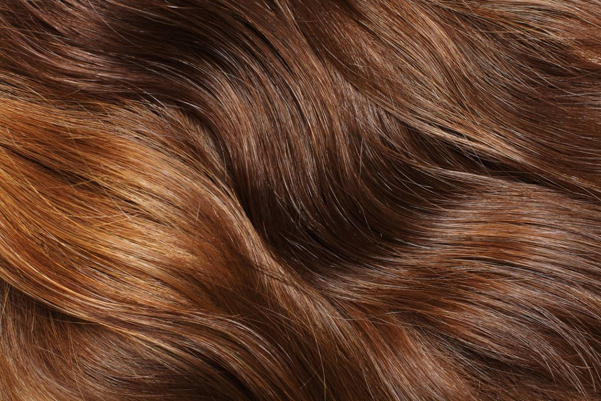 Cheveux de couleur roux